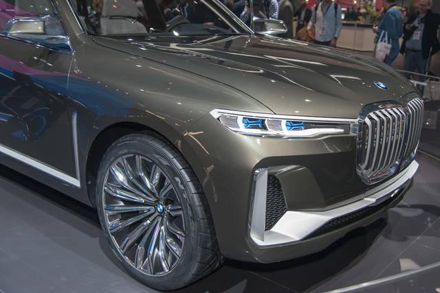 Concept X7 iPerformance: la BMW pensa alla suv di lusso