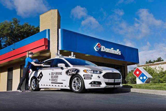 Ford: l'auto senza guidatore consegna le pizze