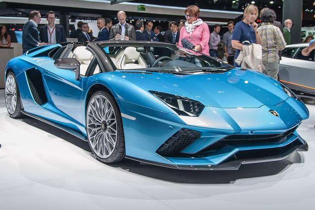 Lamborghini Aventador S Roadster: il rombo del V12 a tetto aperto