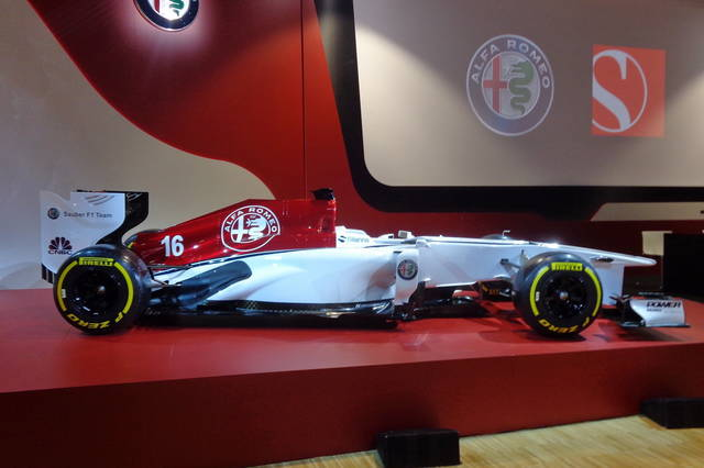 al debutto l alfa romeo sauber formula 1 team. Black Bedroom Furniture Sets. Home Design Ideas