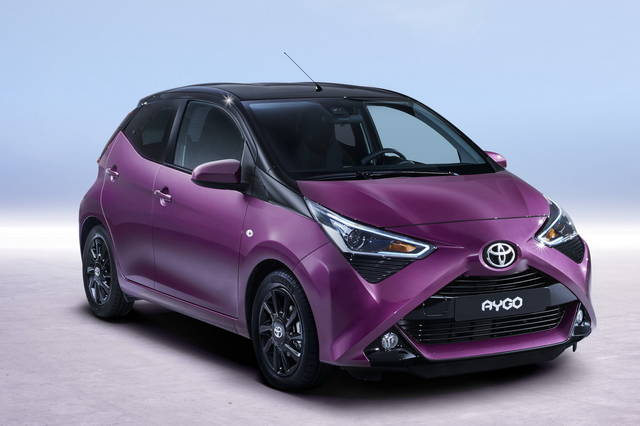 toyota aygo arriva l aggiornamento. Black Bedroom Furniture Sets. Home Design Ideas