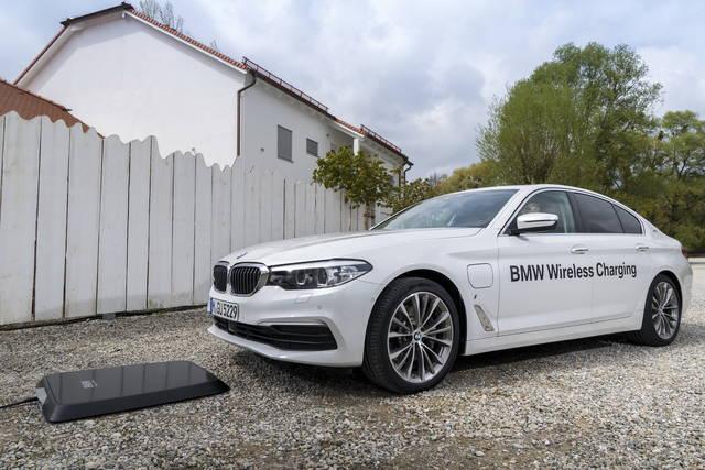 BMW Wireless Charging: arriva la ricarica senza fili