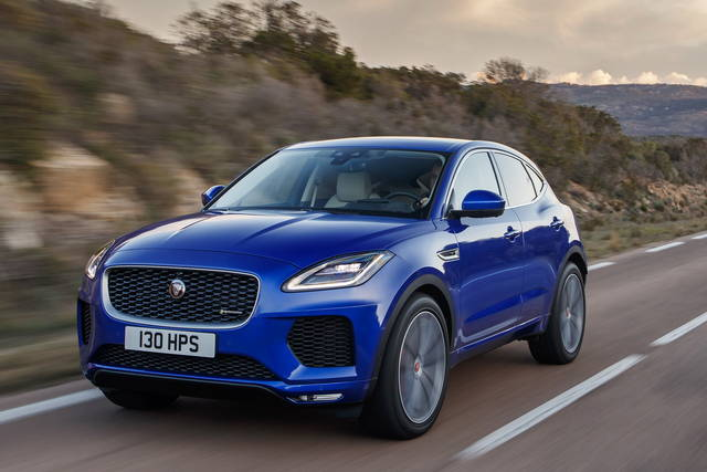 jaguar e pace arriva il 2 0 a benzina da 200 cv. Black Bedroom Furniture Sets. Home Design Ideas
