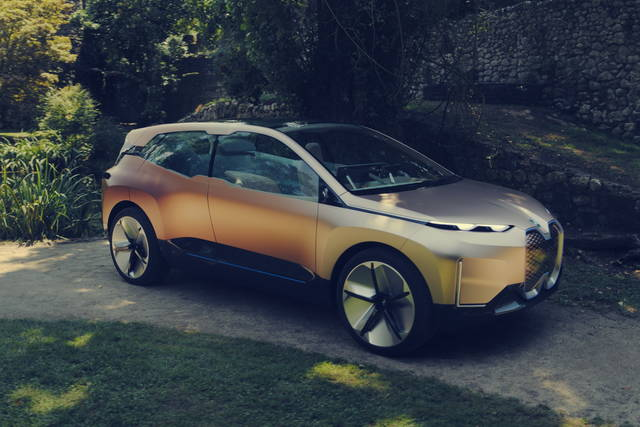 BMW Vision iNext: carattere forte
