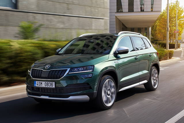 skoda karoq i prezzi delle scout e sportline. Black Bedroom Furniture Sets. Home Design Ideas