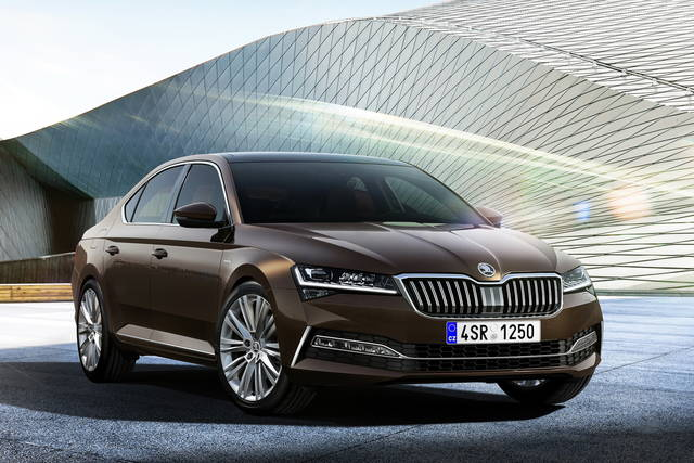 Skoda Superb: tante novità in occasione del restyling