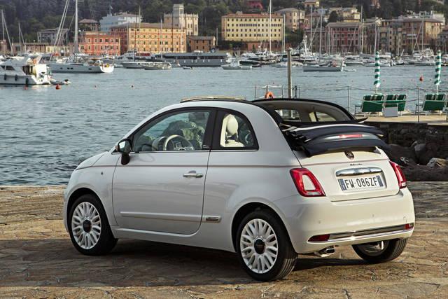 Una Fiat 500 Omaggio Alla Dolcevita