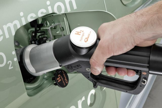 Mercedes b fuelcell 6