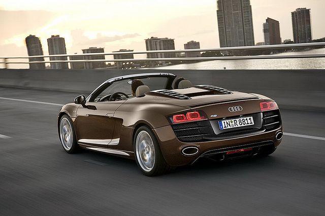 Audi-R8-Spider-4