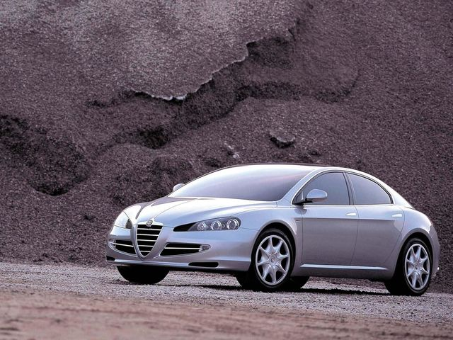 2004_ItalDesign_Alfa-Romeo_Visconti_Concept_02.jpg