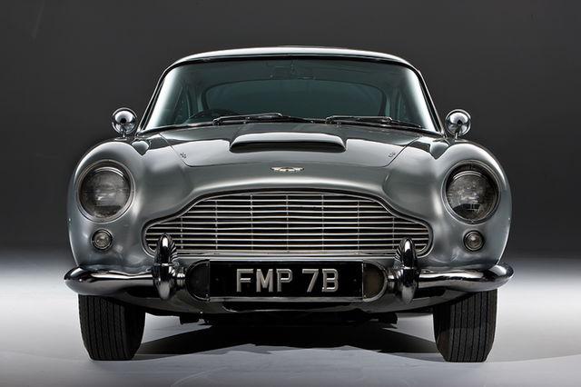 Aston martin db5 james bond  20