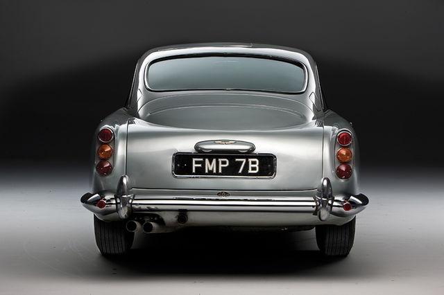 Aston martin db5 james bond  21