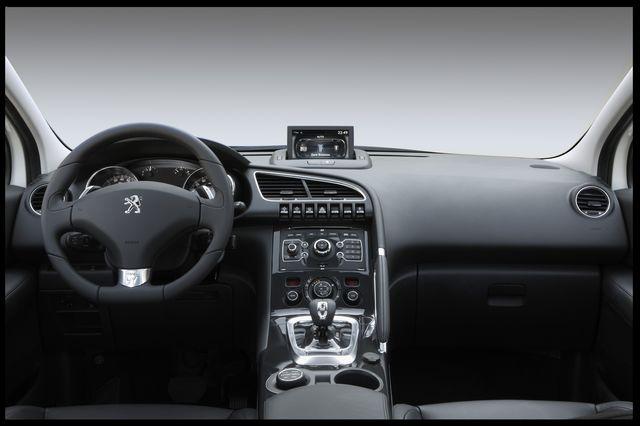 Peugeot 3008 hybrid4 uff 07