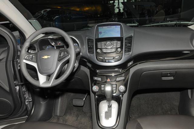 Chevrolet orlando parigi 2010 07