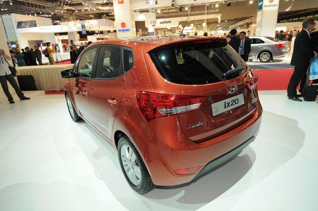 Hyundai ix 20 parigi 2010 02