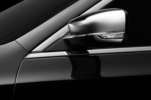 Chrysler 300c 2011 teaser 02