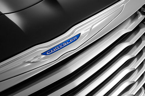 Chrysler 300c 2011 teaser 03