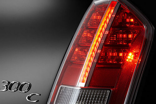 Chrysler 300c 2011 teaser 04