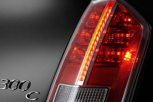 Chrysler 300c 2011 teaser 04