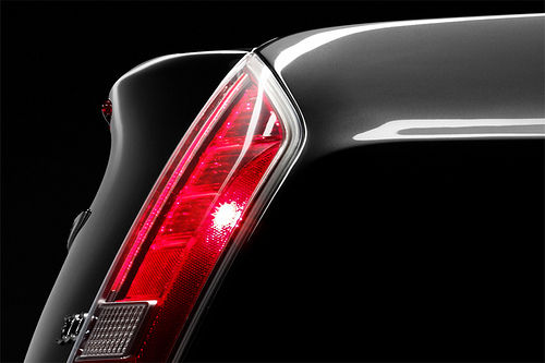 Chrysler 300c 2011 teaser 06