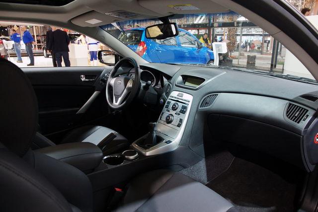 Hyundai genesis 2010 12 10