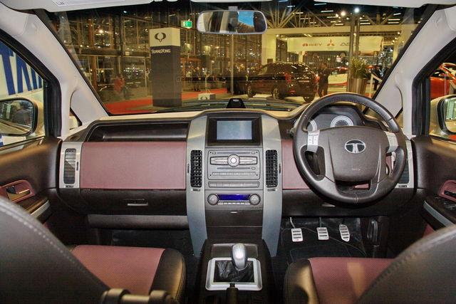 Tata aria motor show 2010 2 2
