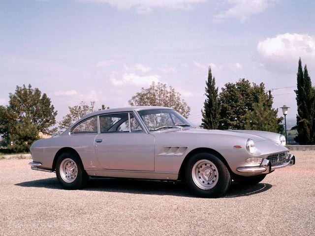 Ferrari-330-gt-2-2