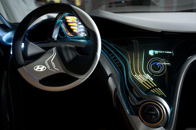 Hyundai curb detroit 2011 09