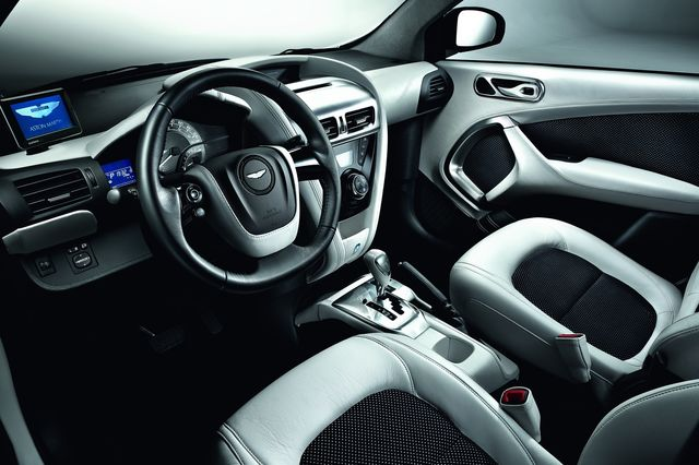 Aston martin cygnet white black 04