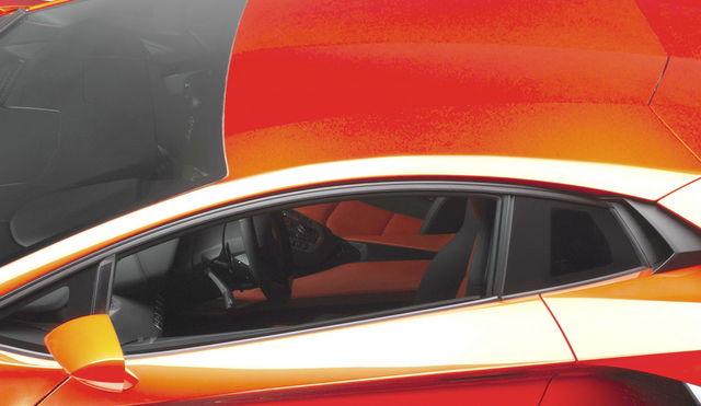 Lamborghini aventador 2011 02 6