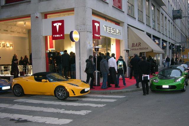 Tesla musk milano 2011 02 06