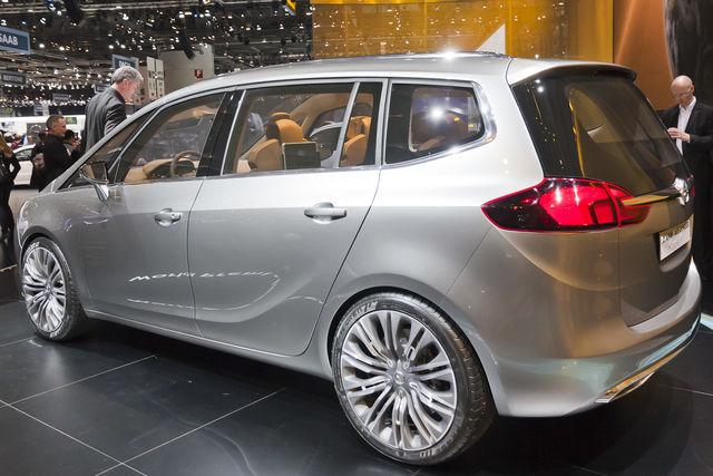 Opel zafira tourer ginevra 2011 1