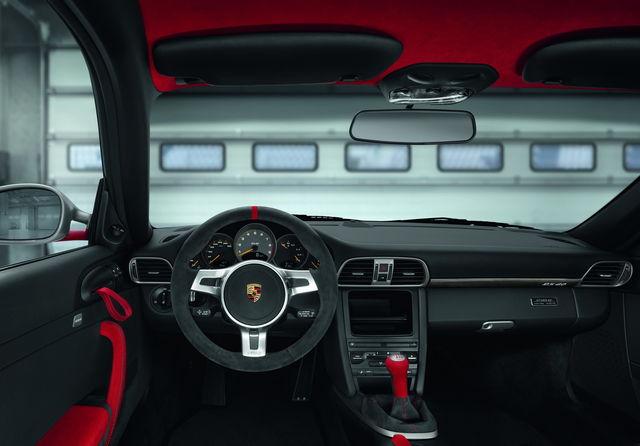 Porsche 911 gt3 rs 40 2011 04 1