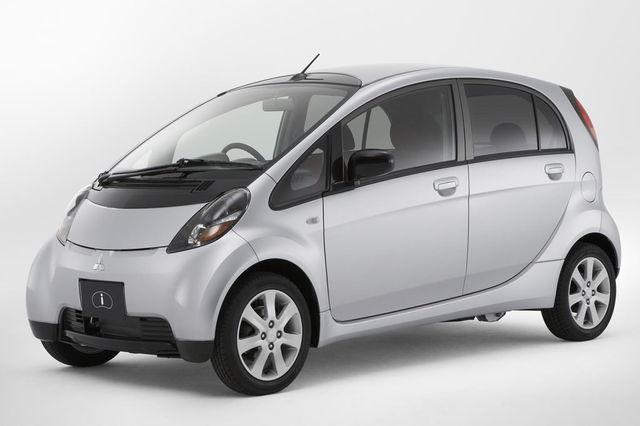 Mitsubishi i 2011
