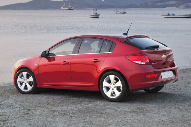 Chevrolet cruze hatchback 3