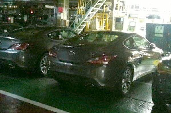 Hyundai genesis 2012 spy 03
