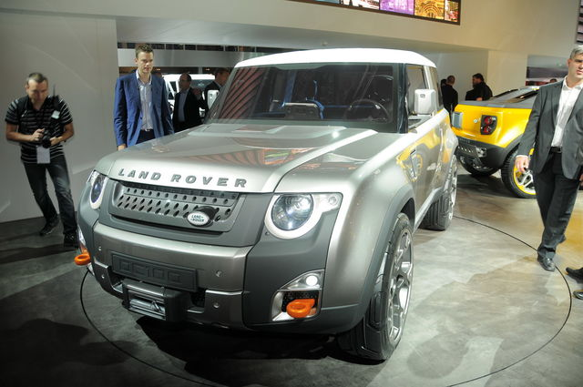 Land rover defender concept 12