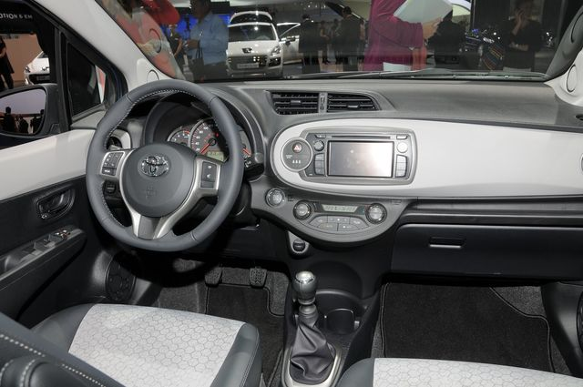 Toyota yaris francoforte 2011 20