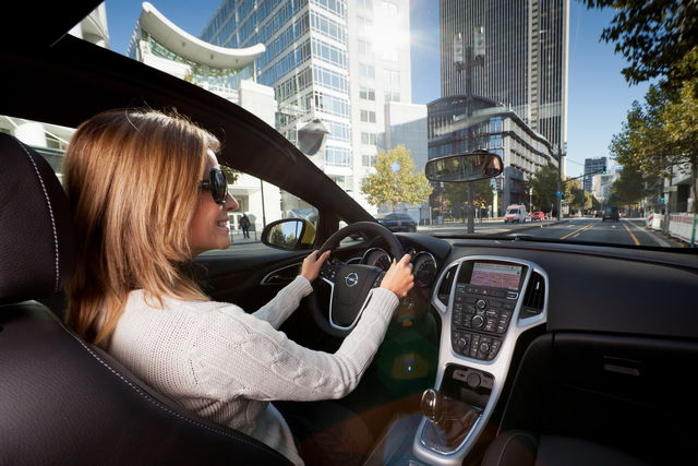 Opel astra gtc tetto panoramico 02