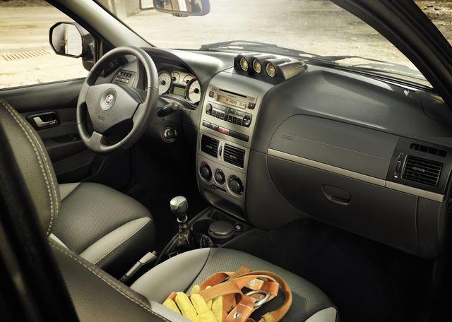 Fiat strada 2012 10