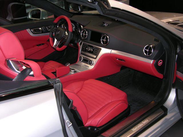 Mercedes sl milano moda donna 07