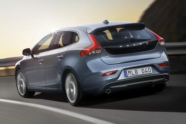 Volvo v40 04