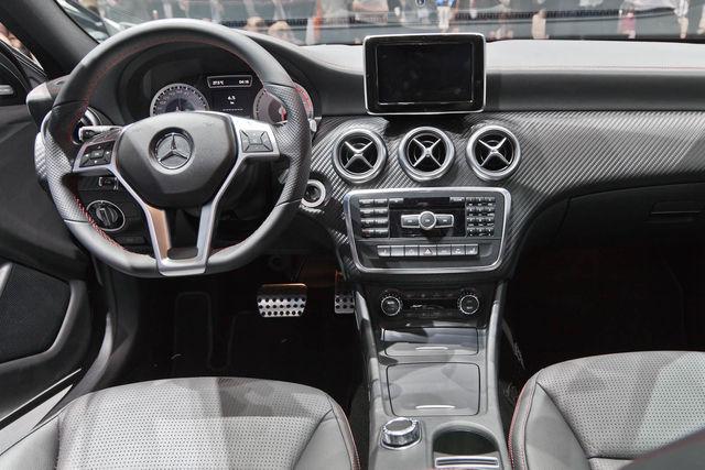 Mercedes classe a ginevra 2012 6