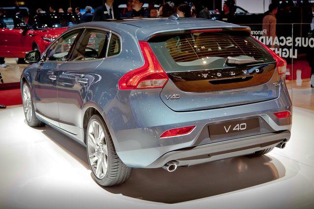 Volvo v40-6