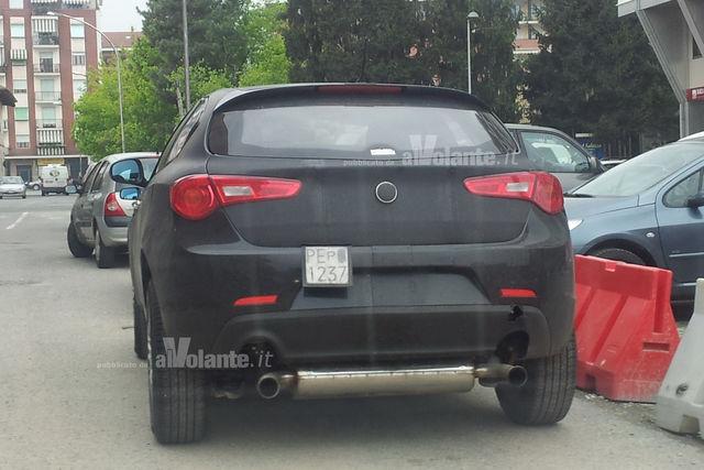 Alfa romeo jeep suv spy 2012 3