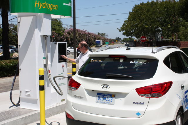 Hyundai ix 35 fuel cell 4