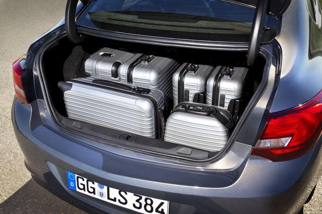 Opel astra berlina 4porte 3