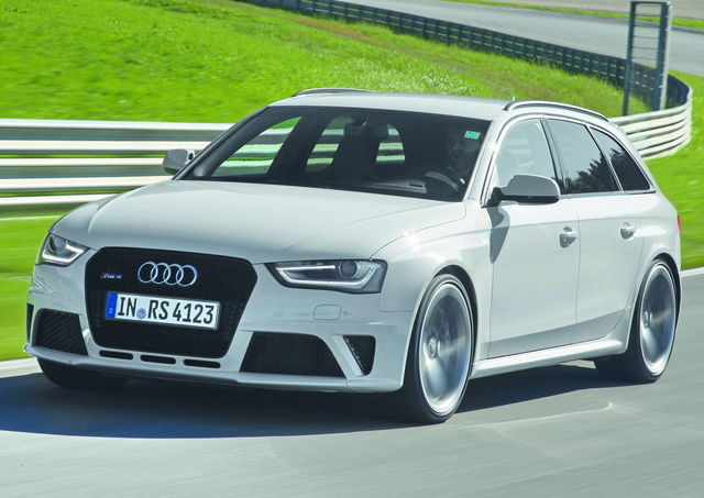 Audi rs4 bianca 1