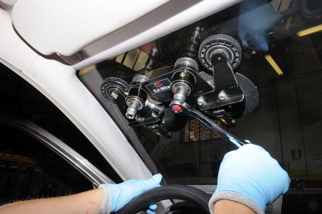 Car glass parabrezza riparazione 3