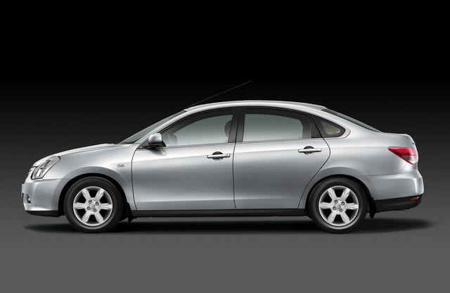 Nissan almera 2012 02